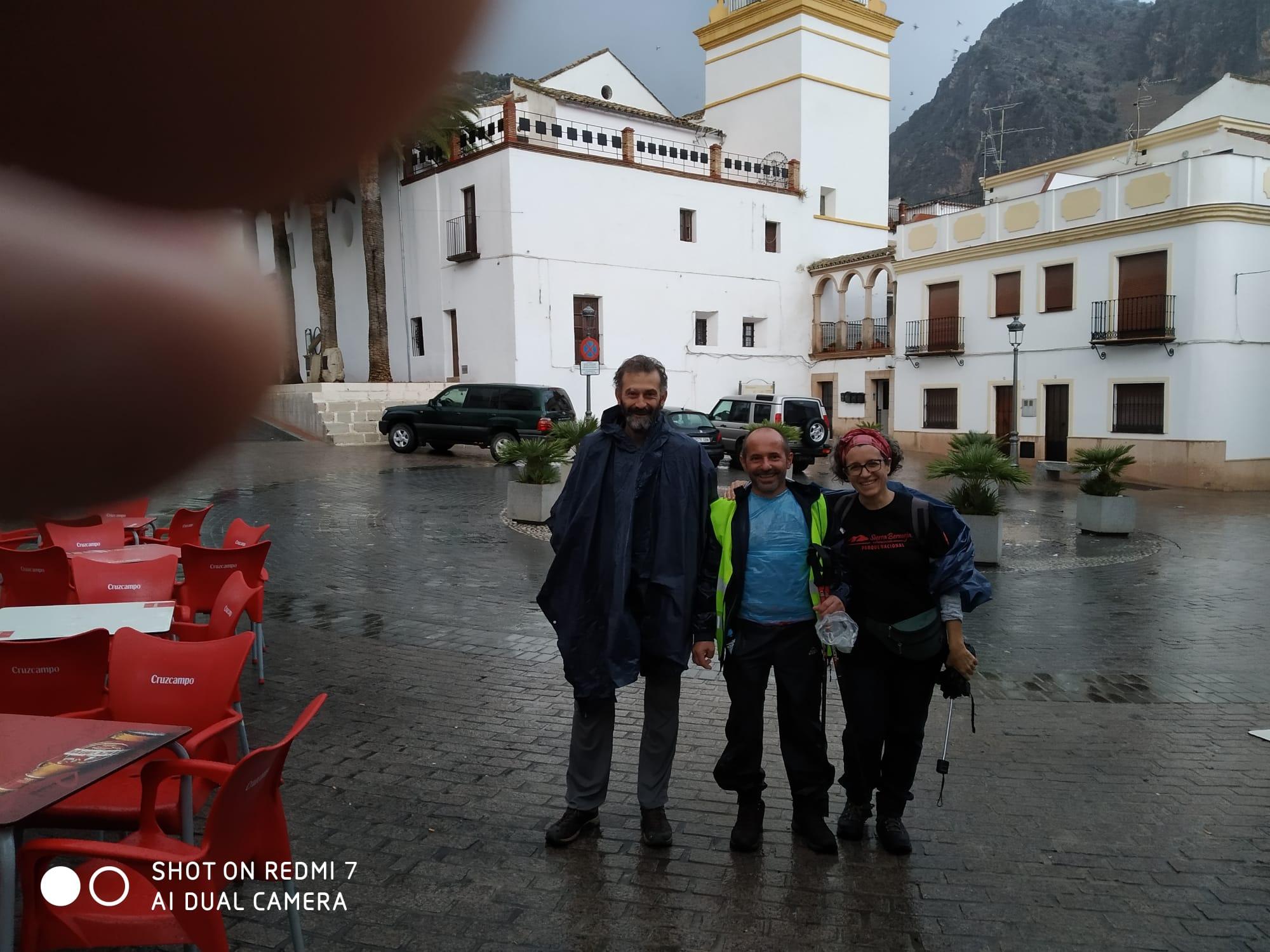 Eduard, Pumuky y María Rosa, en la etapa de Benaoján-Algodonales